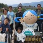 団体設立後初めての外出活動で吉野ヶ里歴史公園へ(2005年5月)